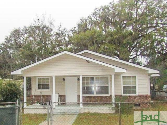201 Ashmore Street, Hinesville, GA 31313 (MLS #196055) :: The Sheila Doney Team