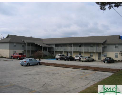 6815 Forest Park Drive, Savannah, GA 31406 (MLS #196970) :: Karyn Thomas