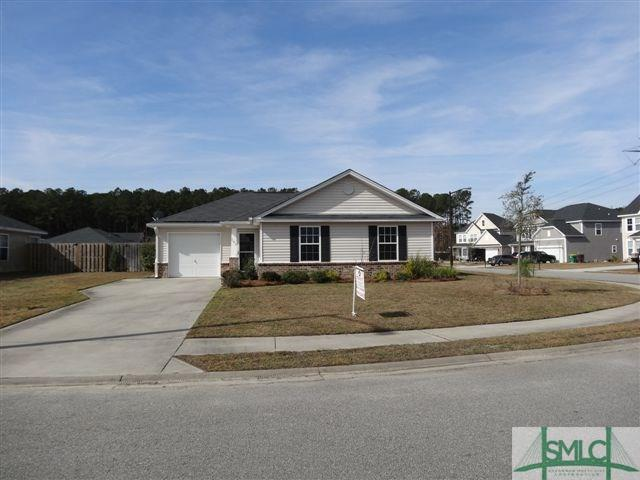 185 Willow Oak Drive, Richmond Hill, GA 31324 (MLS #200039) :: Karyn Thomas
