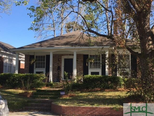 404 E 51st Street, Savannah, GA 31405 (MLS #202880) :: Karyn Thomas