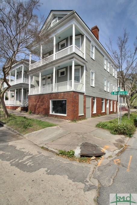 130 E Waldburg Street, Savannah, GA 31401 (MLS #203808) :: McIntosh Realty Team