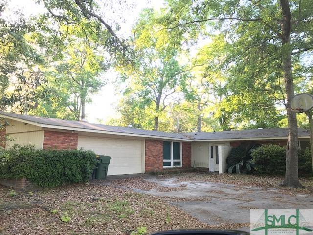 402 Tanglewood Road, Savannah, GA 31419 (MLS #205777) :: The Arlow Real Estate Group