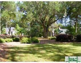 11 Southerland Road, Savannah, GA 31411 (MLS #208280) :: Coastal Savannah Homes