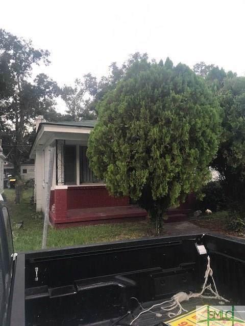 821 W 42 Street W, Savannah, GA 31415 (MLS #215230) :: The Arlow Real Estate Group