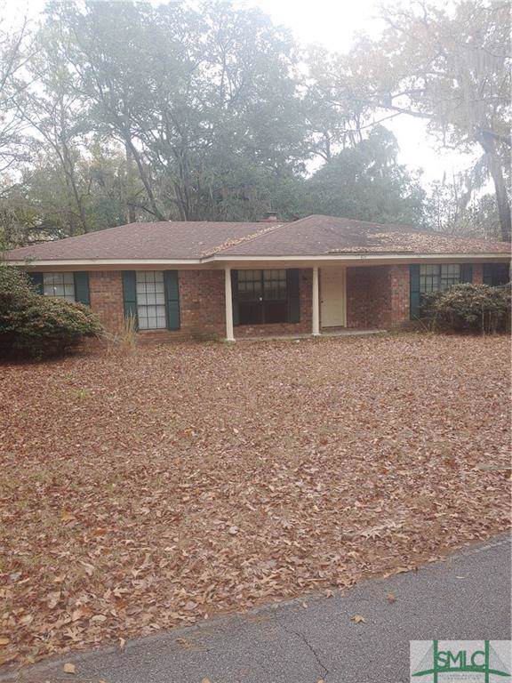 824 Lakeview Court, Hinesville, GA 31313 (MLS #218224) :: The Arlow Real Estate Group