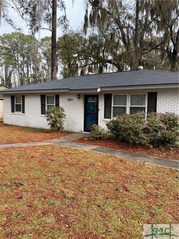 1747 Kings Way, Savannah, GA 31406 (MLS #220259) :: Partin Real Estate Team at Luxe Real Estate Services