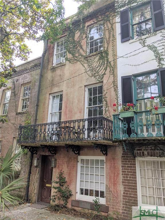 421 E Charlton Street, Savannah, GA 31401 (MLS #224107) :: Keller Williams Coastal Area Partners