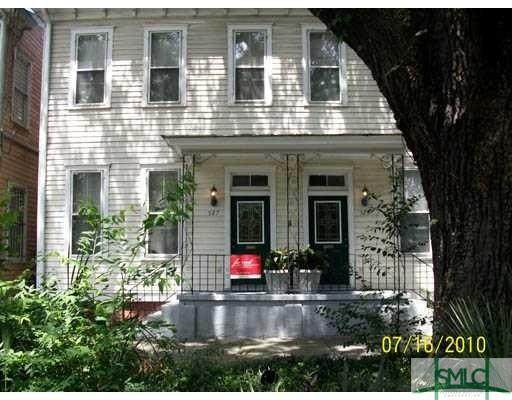 527 E Broad Street - Photo 1