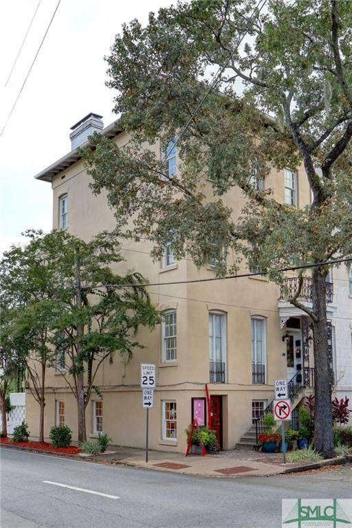 101 W Taylor Street, Savannah, GA 31401 (MLS #233475) :: Keller Williams Coastal Area Partners