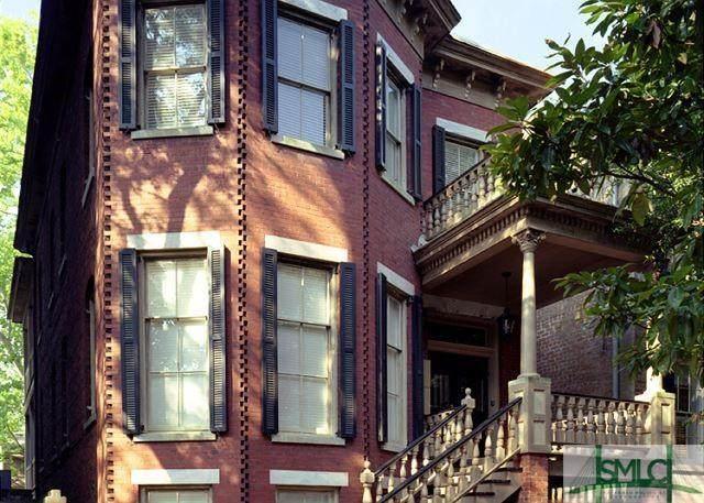 109 W Jones Street, Savannah, GA 31401 (MLS #250513) :: Liza DiMarco