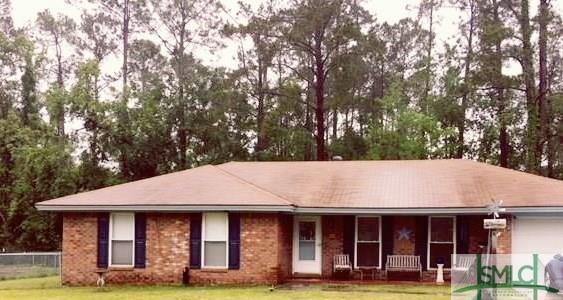 304 Floyd Street, Hinesville, GA 31313 (MLS #189255) :: Karyn Thomas