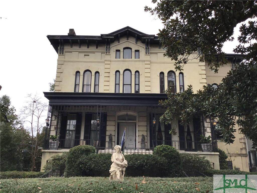 213 Hall Street - Photo 1