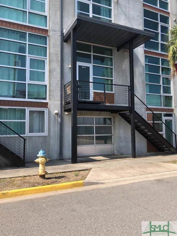 555 Berrien Street E, Savannah, GA 31401 (MLS #212389) :: The Randy Bocook Real Estate Team