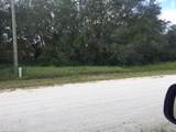 1829 Croton Road - Photo 3