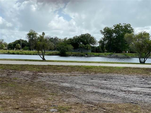 501 Riverside Drive SW, Moore Haven, FL 33471 (MLS #270062) :: Compton Realty