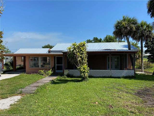 271 Avenue O Avenue SW, Moore Haven, FL 33471 (MLS #272922) :: Compton Realty