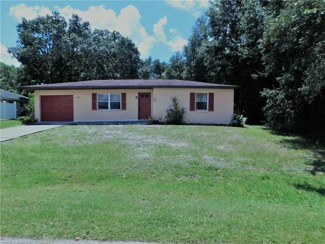 1069 Lake Carrie Drive, Lake Placid, FL 33852 (MLS #274060) :: Compton Realty