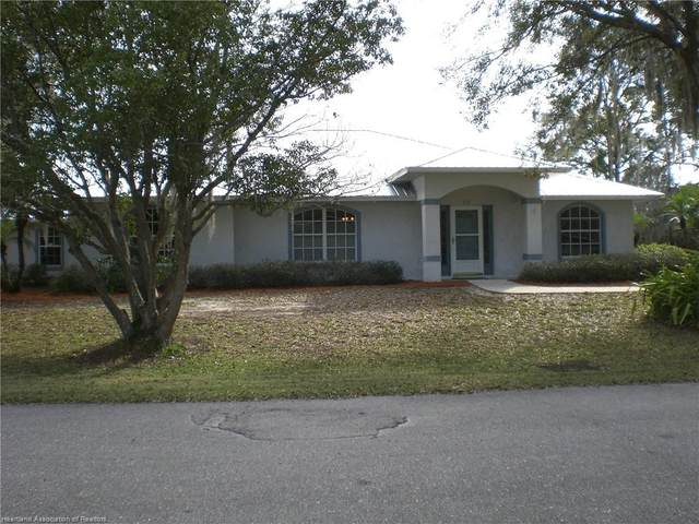 712 Lake Betty Drive, Lake Placid, FL 33852 (MLS #277963) :: Compton Realty
