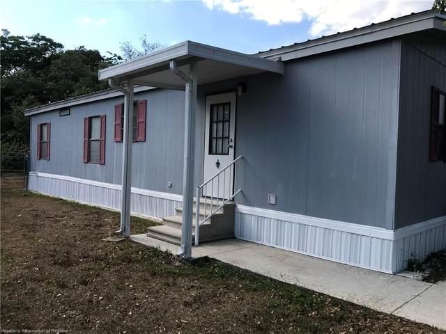 230 S Camphor Loop, Avon Park, FL 33825 (MLS #279717) :: Compton Realty