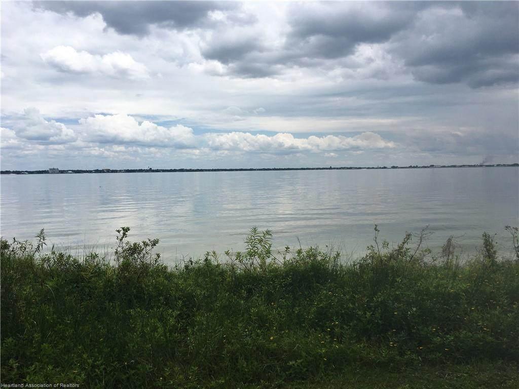 4390 Lakeview Drive - Photo 1