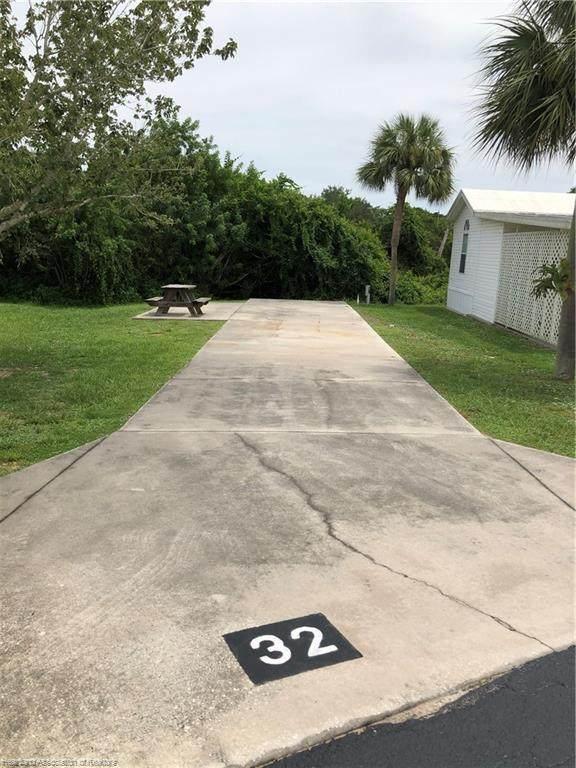 32 Windward Drive - Photo 1