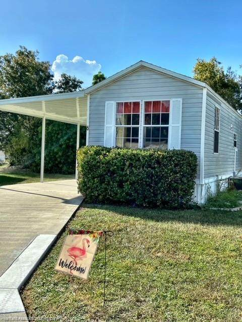 6 Shoreline Court, Lake Placid, FL 33852 (MLS #276086) :: Compton Realty