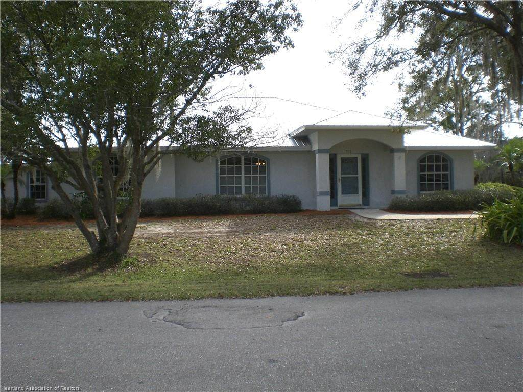 712 Lake Betty Drive - Photo 1