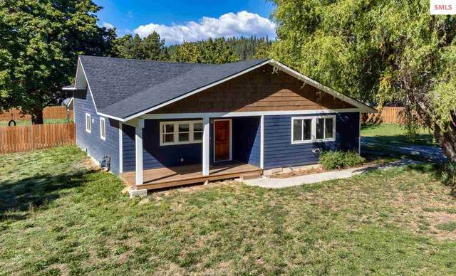 7448 Wells St, Bonners Ferry, ID 83805 (#20212894) :: Heart and Homes Northwest