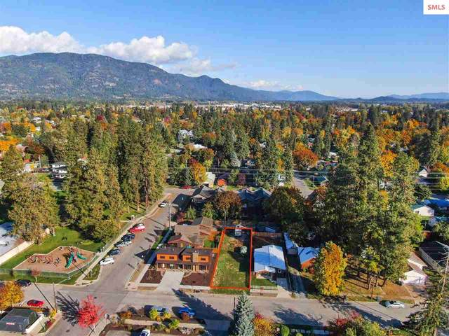 1008 W Lake St, Sandpoint, ID 83864 (#20213026) :: Real Estate Done Right
