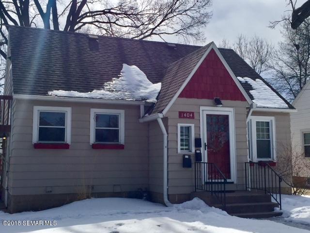 1404 E Center Street, Rochester, MN 55904 (MLS #4086195) :: Team Nordaune