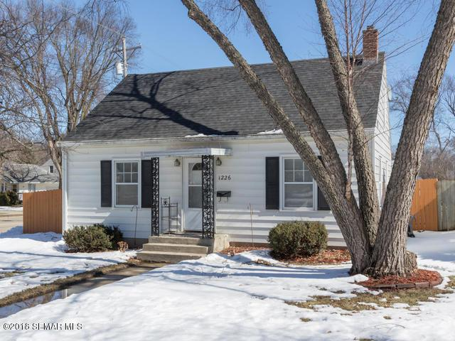 1226 8th Avenue NW, Rochester, MN 55901 (MLS #4086220) :: Team Nordaune
