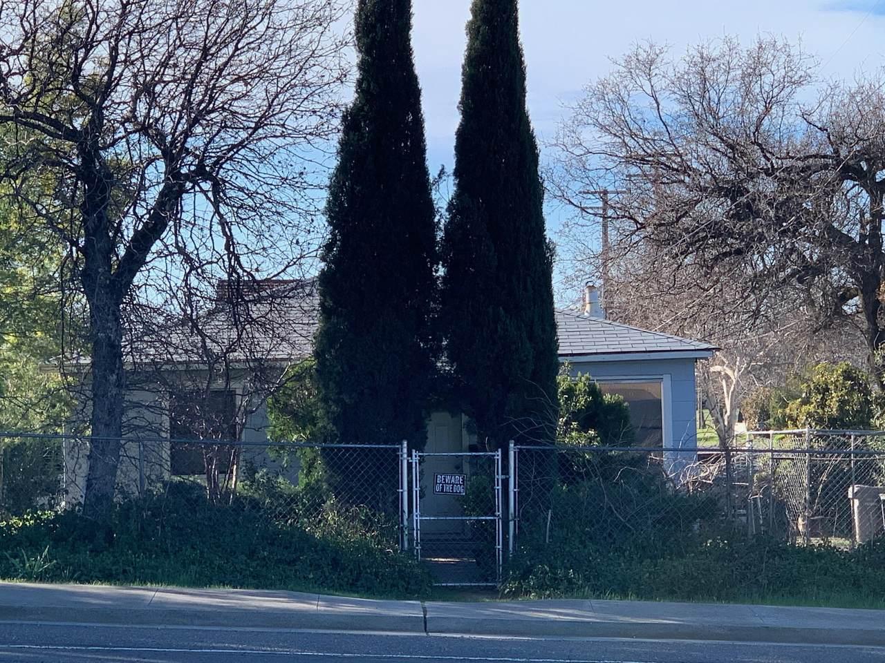 1701 Cypress Ave - Photo 1