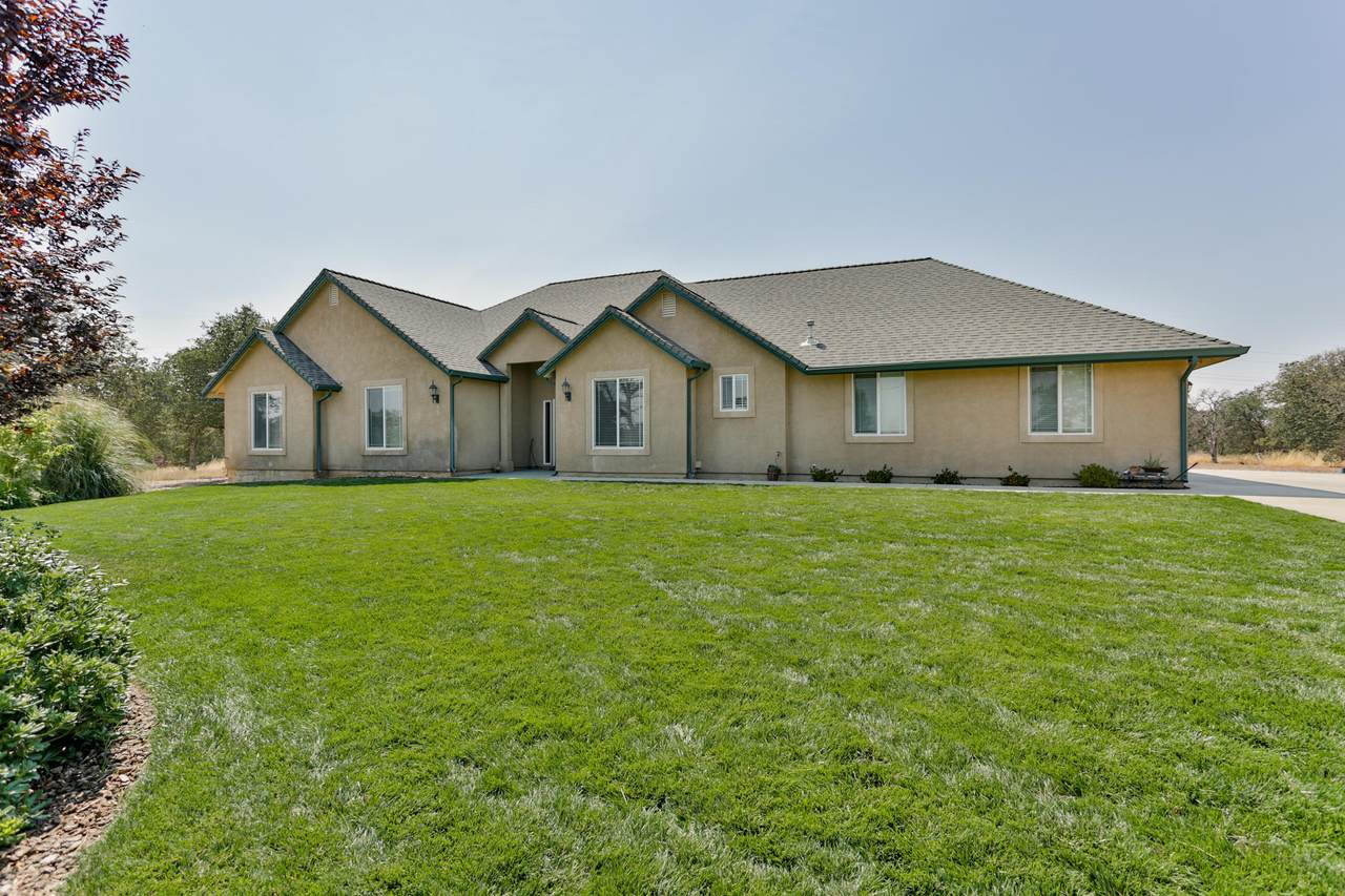 18285 Bywood Dr - Photo 1