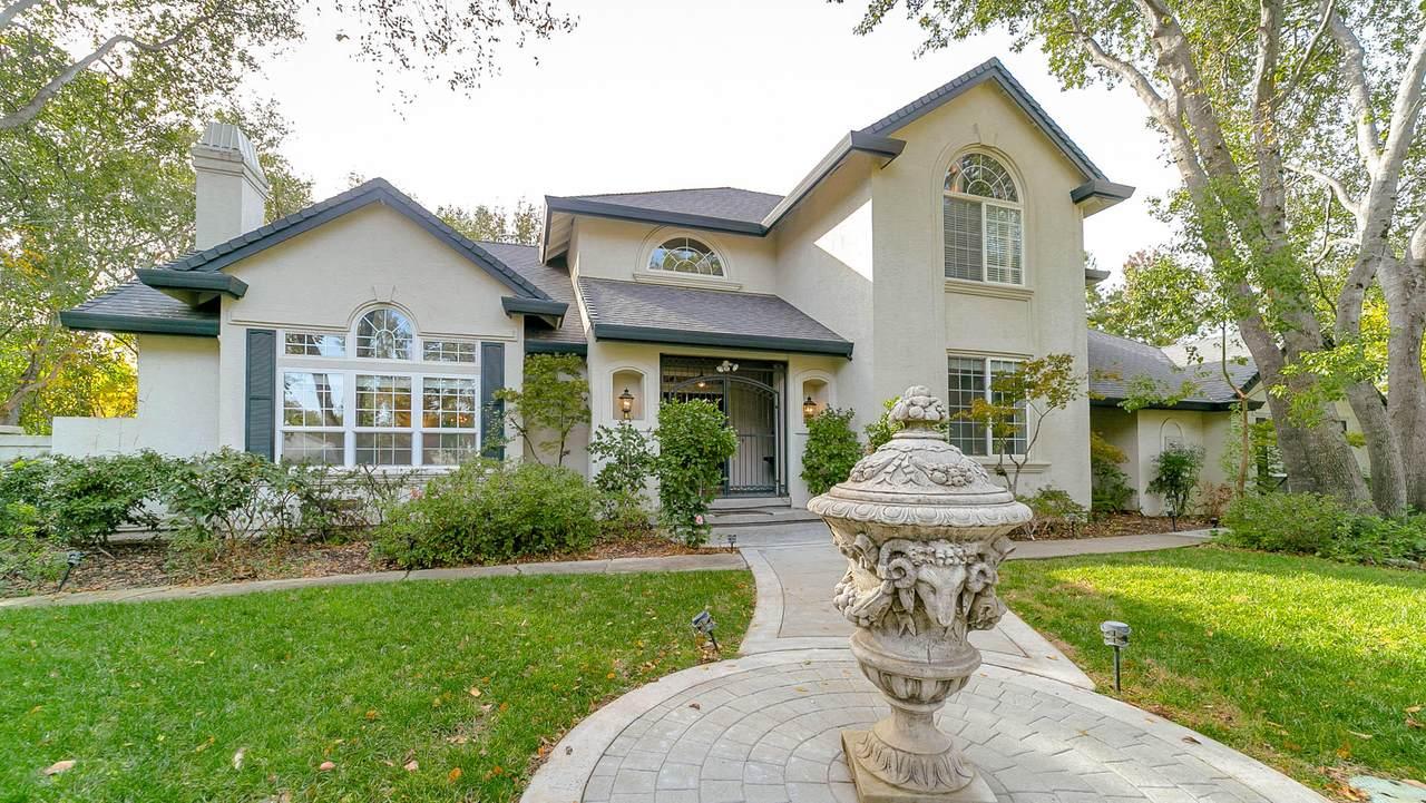 4260 Vista Oaks Ct - Photo 1