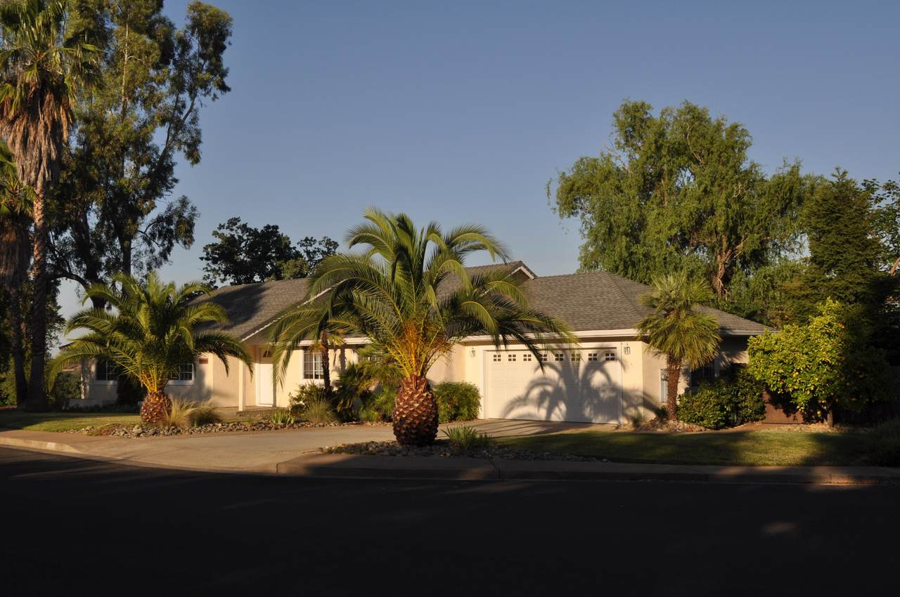 11518 Wales Dr - Photo 1
