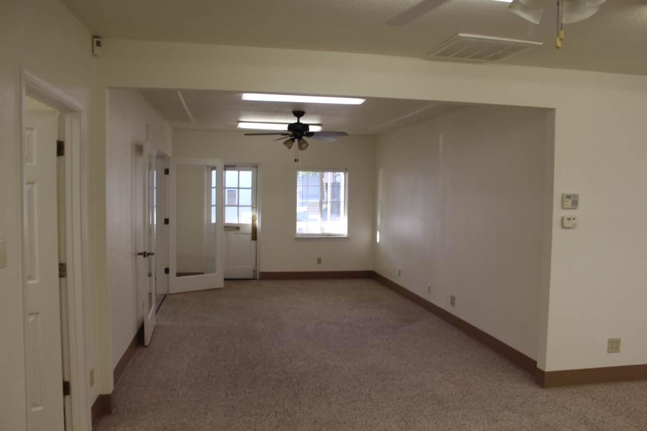 916 E. Cypress Avenue, Suite 300 - Photo 1