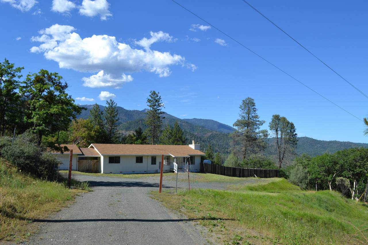 2830 Oregon St - Photo 1