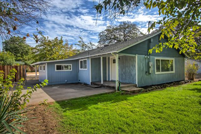 2621 Irwin Rd, Redding, CA 96002 (#18-6029) :: 530 Realty Group