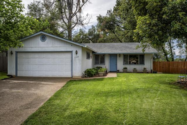1722 Summerfield Ct, Redding, CA 96002 (#19-2825) :: 530 Realty Group