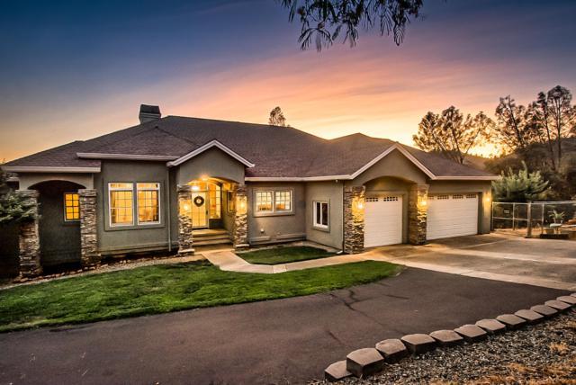 14015 Christian Way, Redding, CA 96003 (#19-3954) :: Josh Barker Real Estate Advisors