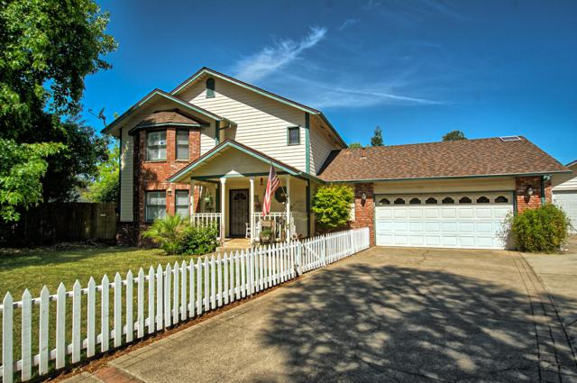 1236 Norman Dr, Redding, CA 96002 (#19-3994) :: 530 Realty Group