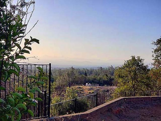15217 Mountain Shadows Dr, Redding, CA 96001 (#19-4194) :: Josh Barker Real Estate Advisors