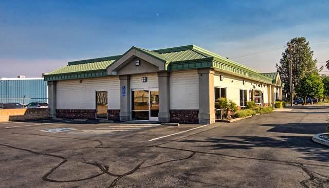 2415 Larkspur Ln, Redding, CA 96002 (#19-5218) :: The Doug Juenke Home Selling Team