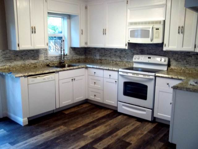 4674 Harrison Ave, Redding, CA 96001 (#19-5605) :: The Doug Juenke Home Selling Team