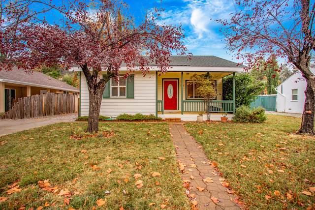 1576 Santa Fe Ave, Redding, CA 96003 (#19-6209) :: Waterman Real Estate