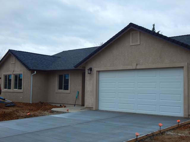 11365 Puffin Way, Redding, CA 96003 (#19-6447) :: Wise House Realty