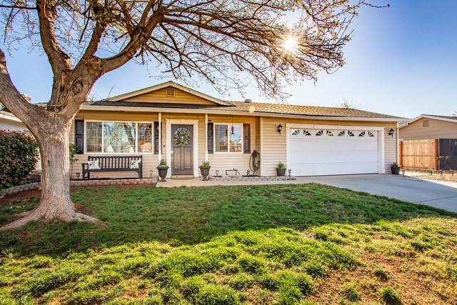 3561 Capricorn Way, Redding, CA 96002 (#20-1271) :: Wise House Realty