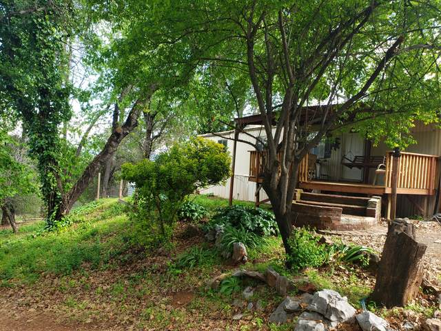 13951 Shangrila, Redding, CA 96003 (#20-1502) :: Wise House Realty