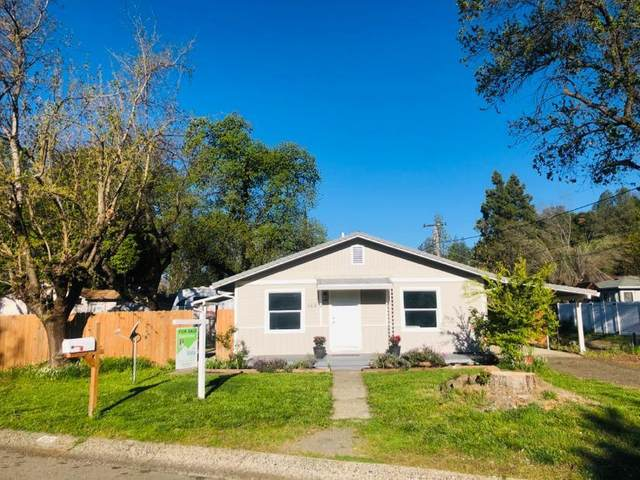 560 Loma St, Redding, CA 96003 (#20-1668) :: Wise House Realty