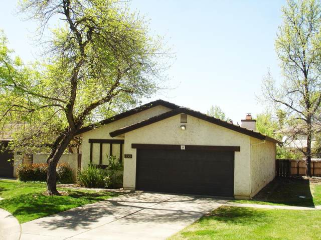 758 Coffeeberry Ln, Redding, CA 96003 (#20-1698) :: Wise House Realty